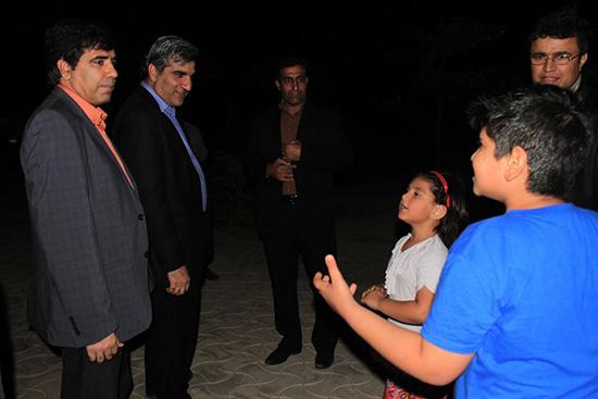 احوالپرسی استاندار با شهروندان در ساحل بوشهر + تصاویر