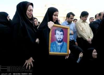 استقبال از پیکرهای 9 شهید گمنام و پیکر سردار شهید بیژنی در فرودگاه بوشهر