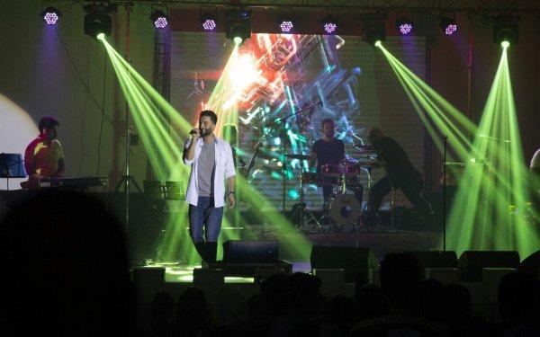 تصاویر کنسرت موسیقی بنیامین در بوشهر