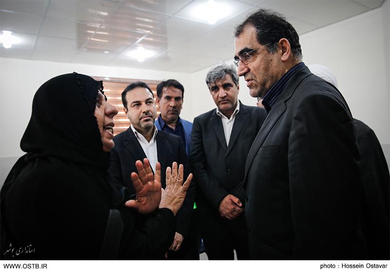 افتتاح و آغاز عملیات اجرایی ۵۲۳ میلیارد تومان پروژه درمانی در سفر وزیر بهداشت  به بوشهر