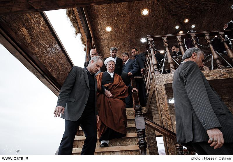 تصاویر بازدید آیت الله هاشمی رفسنجانی از دهکده گردشگری بوشهر